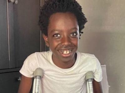2 capa Garoto de 12 anos salva irmaos de ataque de pit bulls e saudado como heroi e ganha doacao de 200 mil