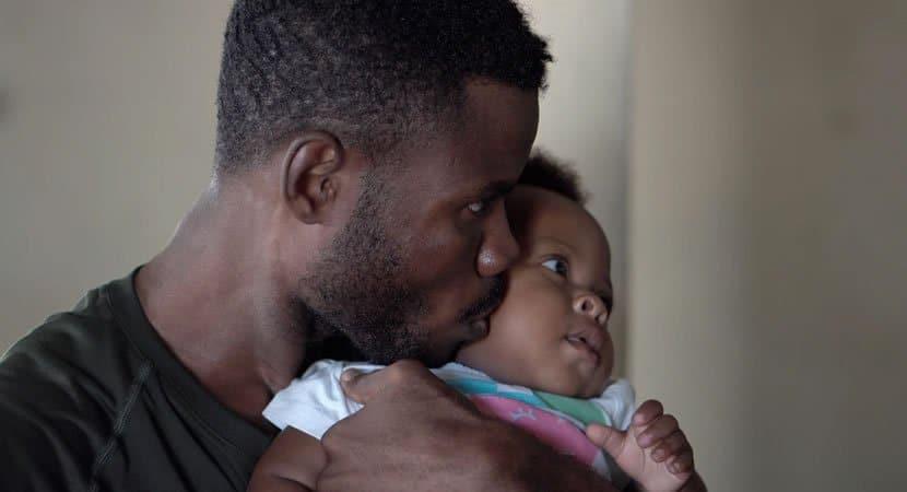 4 Criancas nao precisam de pais que brinquem o tempo todo Precisam de pais que abracem