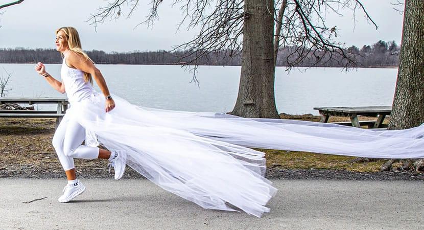 6 capa Buscando conscientizar populacao sobre violencia domestica vitima planeja correr 500km vestida de noiva