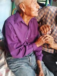 2 3 Idoso de 108 anos que vivia nas ruas e adotado por familia Nao vai mais passar necessidades
