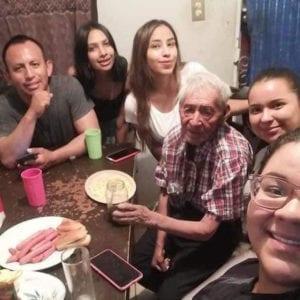 2 4 Idoso de 108 anos que vivia nas ruas e adotado por familia Nao vai mais passar necessidades