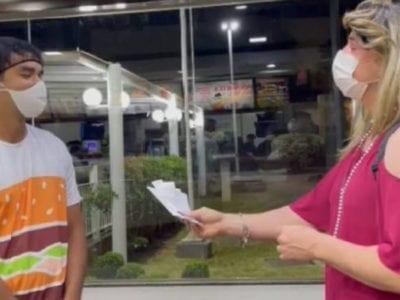 capafuncionario deixa cliente levar lanches mesmo sem dinheiro suficiente e ela lhe retribui com R600