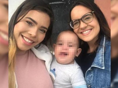 4 capa Maes acusam garcom de lesbofobia Perguntou se o bebe tinha o DNA das duas