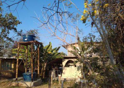 5 2 Familia constroi casa com material reciclavel em apenas 3 meses com as proprias maos