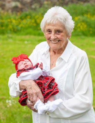 2aos 86 anos mulher se torna pentavo e celebra os mais de 90 netos Sou uma mulher de sorte